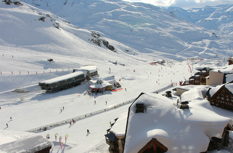 skiing val thorens